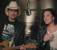 Without a Fight (Feat. Demi Lovato) – Brad Paisley